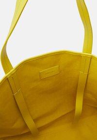 Marc Cain - SHOPPER BAG SET - Tote bag - black/white - 3