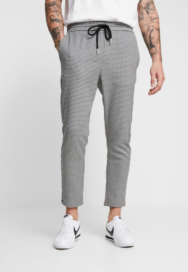 ONSLINUS CHECK  - Trousers - white