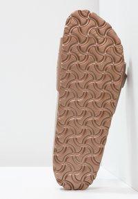 Birkenstock - MADRID - Sandały kąpielowe - metallic copper - 5