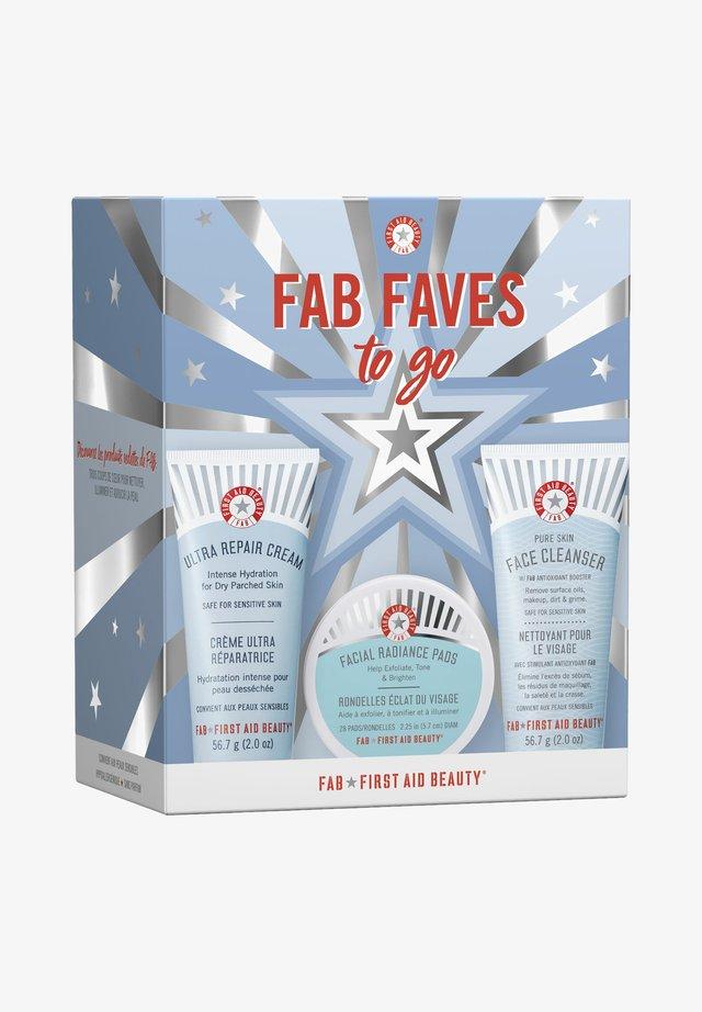 FAB FAVES TO GO KIT - Skincare set - -
