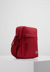 Lacoste - Kameralaukku - sundried tomato - 3