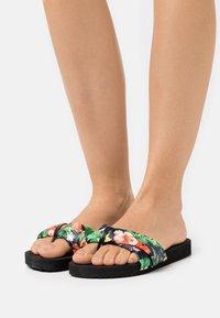 flip*flop - POOLY TROPICS - T-bar sandals - black - 0