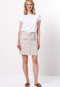 zero - MIT GÜRTEL - A-line skirt - beige - 1