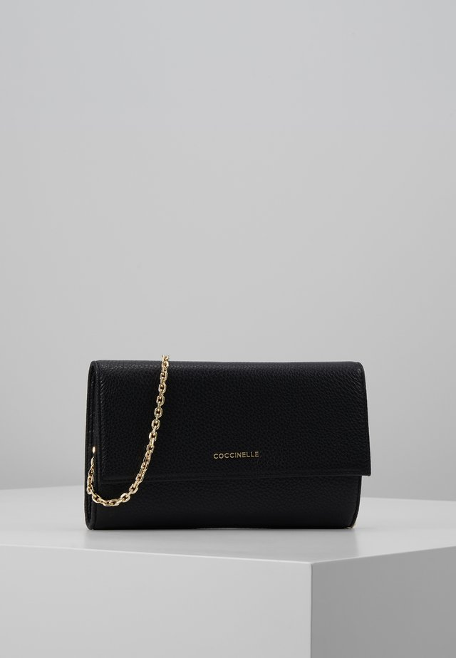 METALLIC SOFT CLUTCH - Kuvertväska - noir