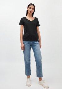 ARMEDANGELS - HAADIA - Basic T-shirt - black - 1