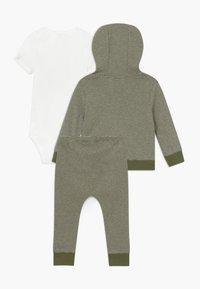 Carter's - BABY SET   - Kardigan - green - 1