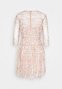 BCBGMAXAZRIA - EVE DRESS - Vestito elegante - bare pink - 1