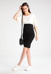 Envie de Fraise - NYLA - Sukienka z dżerseju - off white - 1