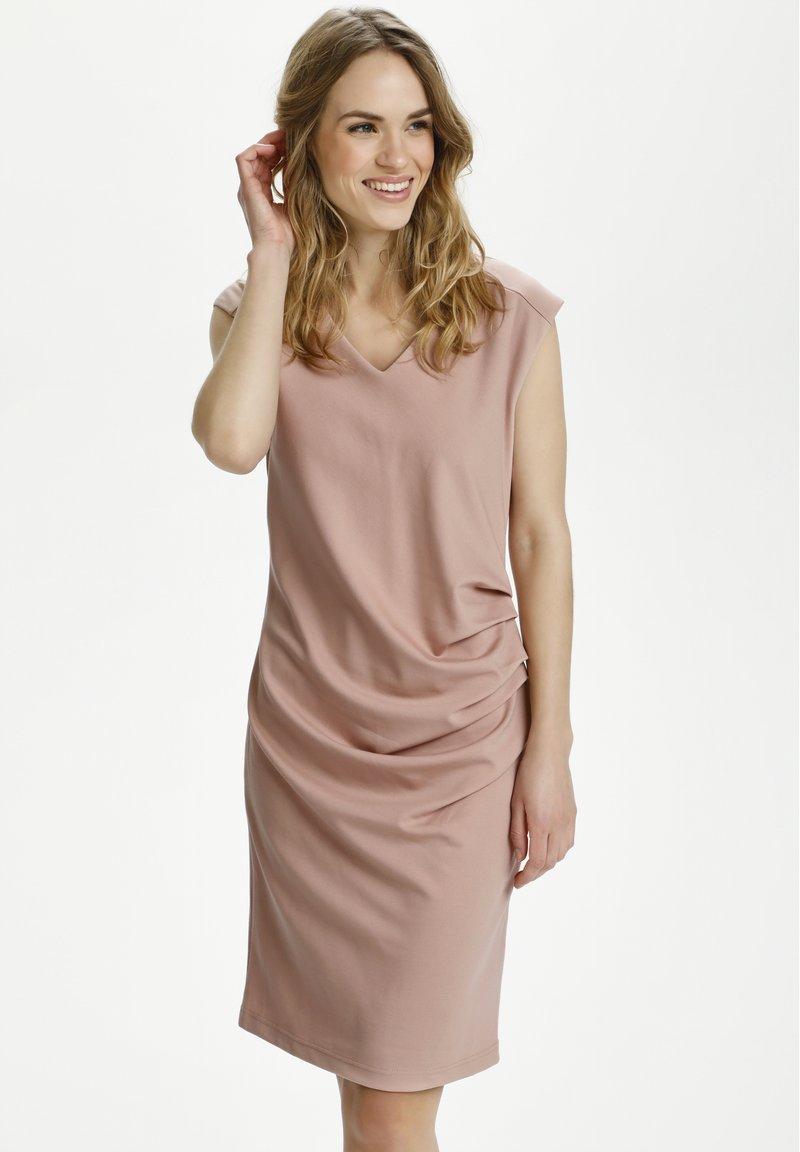 Kaffe - INDIA V NECK DRESS - Etuikjoler - misty rose