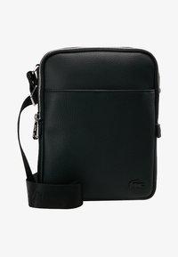 Lacoste - FLAT CROSSOVER BAG - Taška spříčným popruhem - black - 6