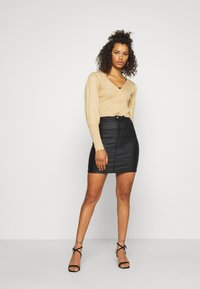 Missguided Tall - TALL COATED SUPERSTRETCH MINI SKIRT - Jupe crayon - black - 1