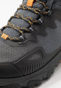 The North Face - M ULTRA FASTPACK IV MID FUTURELIGHT - Hiking shoes - dark shadow grey/griffin grey - 5