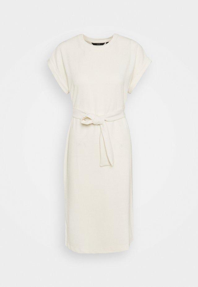 VMKIARA DRESS - Vestito di maglina - birch