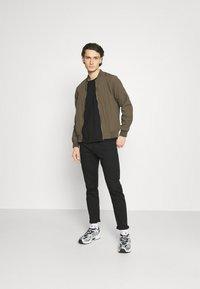 Cotton On - RESORT - Bomber Jacket - textured khaki - 1