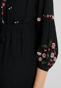JoJo Maman Bébé - EMBROIDERED DRESS - Denní šaty - black - 5