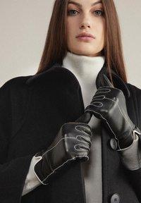 Falconeri - Gloves - nero - 0
