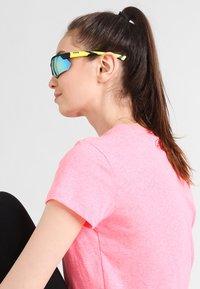 Uvex - SPORTSTYLE 221 - Sports glasses - black mat yellow - 1