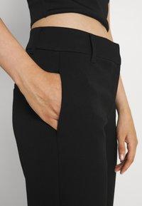 Vero Moda - VMEVERLY STRAIGHT PANT - Trousers - black - 4