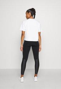 Sweaty Betty - BOXY TEE - Basic T-shirt - white - 2