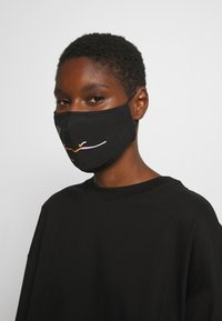 Karl Kani - SIGNATURE FACE MASK - Community mask - black - 2