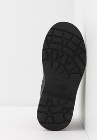UGG - BOLDEN - Classic ankle boots - black - 4