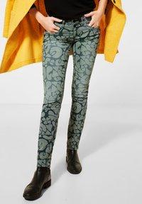 Street One - Slim fit jeans - grün - 0