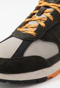 Timberland - FIELD TREKKER - Sneaker low - dark green - 5