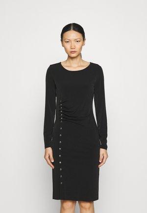 AMIRA FANCY DRESS - Žerzejové šaty - black