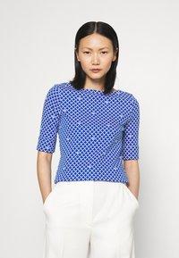 Lauren Ralph Lauren - JUDY ELBOW SLEEVE - Print T-shirt - sapphire star/white - 0