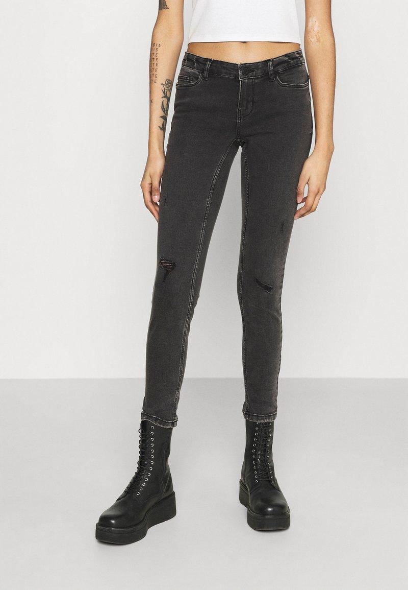 Noisy May - NMEVE BREAK - Jeans Skinny Fit - grey denim