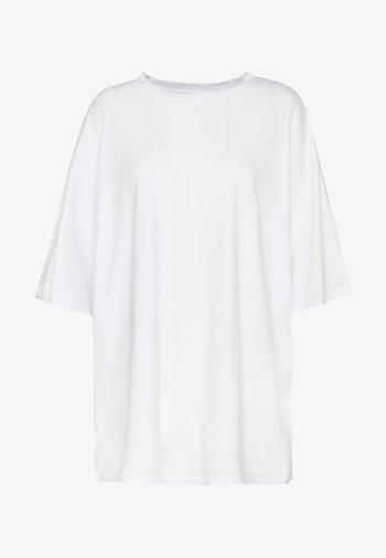 CISSI TEE - Print T-shirt - white light