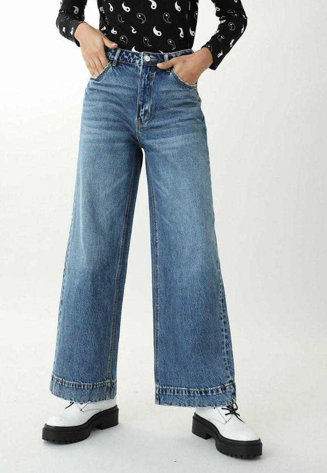Široké džíny - denimblau