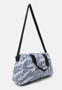 Puma - GRIP BAG 25 L - Sports bag - puma white-untamed - 2