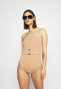 Cotton On Body - STRAPLESS BELTED ONE PIECE BRAZILIAN - Swimsuit - lion brown - 1