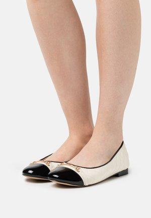 TRIM BALLET - Ballet pumps - nude/black