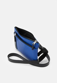 Furla - TECHNICAL CROSSBODY POUCH UNISEX - Across body bag - bluette - 2