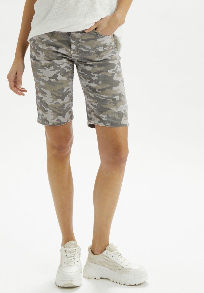 Cream - Denim shorts - grey camouflage