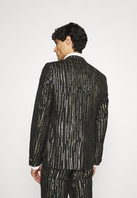 Twisted Tailor - SAGRADA SUIT - Completo - black/gold - 3