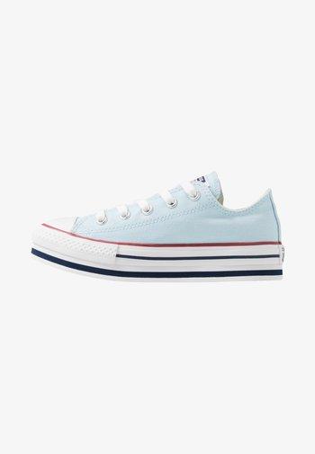 CHUCK TAYLOR ALL STAR PLATFORM EVA - Trainers - agate blue/white/midnight navy