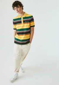 Lacoste LIVE - Polo shirt - jaune / blanc - 0