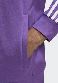 adidas Originals - STRIPES HOODIE - Mikina skapucí - purple - 4