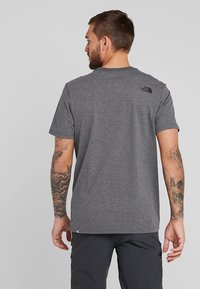 The North Face - EASY TEE SUMMIT GOLD - T-Shirt print - grey heather - 2