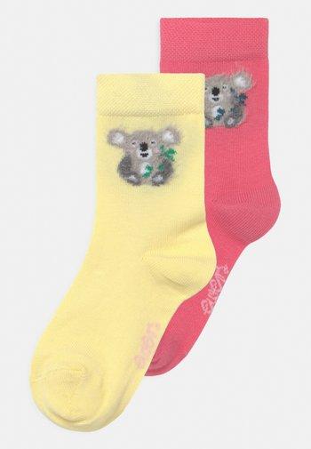 KOALA 2 PACK UNISEX - Socks - pink/gelb