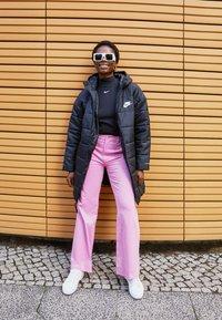 Nike Sportswear - MOCK TOP - Topper langermet - black/white - 1
