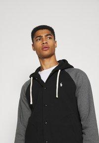 Polo Ralph Lauren - BASEBLHOODM LONG SLEEVE - Zip-up sweatshirt - black - 3