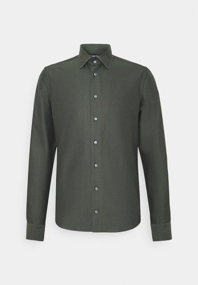 JACKY - Zakelijk overhemd - khaki
