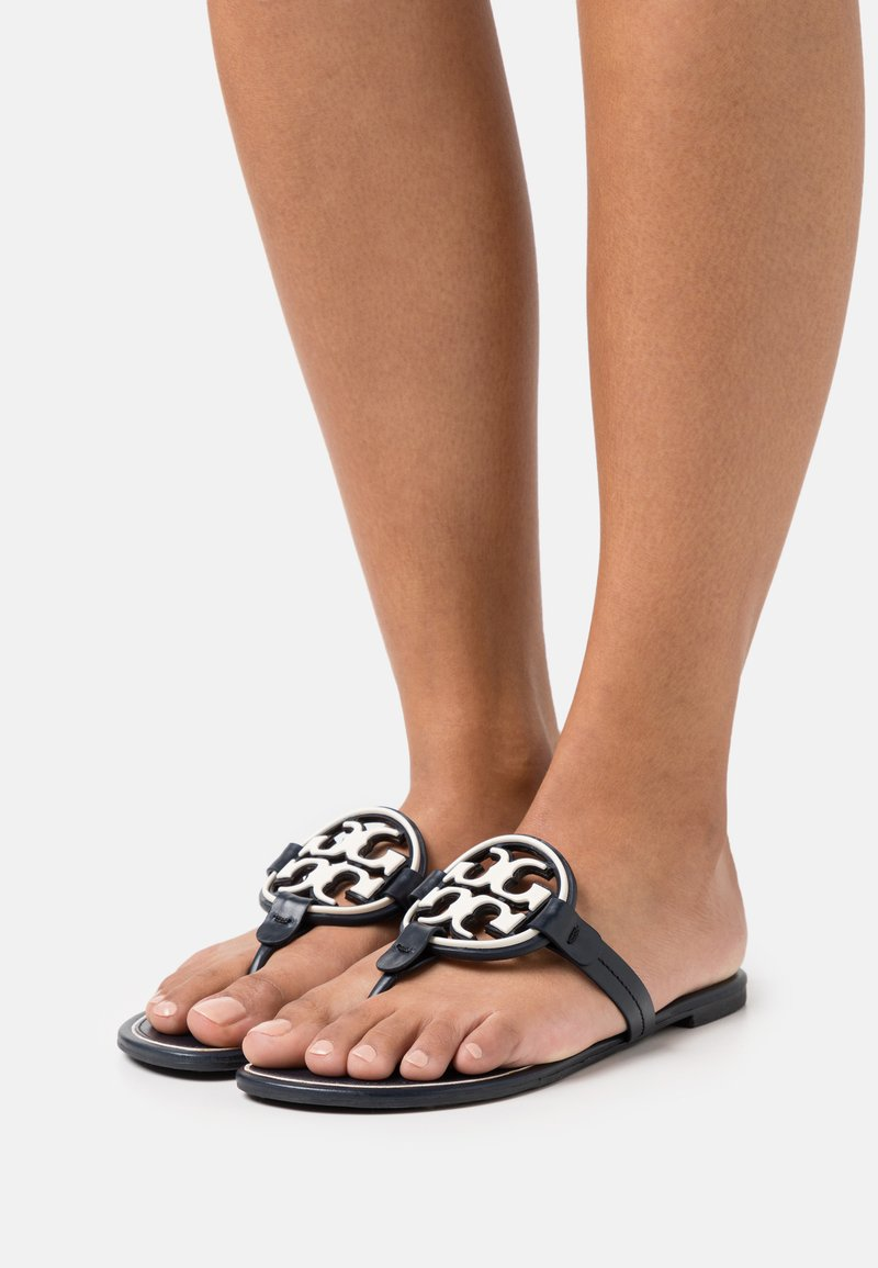 Tory Burch - MILLER - Sandály s odděleným palcem - perfect navy/new invory