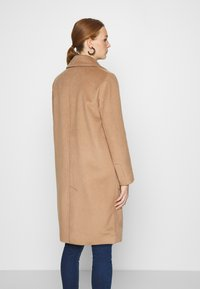DAY Birger et Mikkelsen - SCAFFOLD NORMAL LENGTH - Classic coat - camel delicious - 2