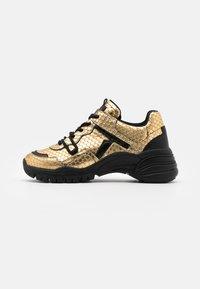 Toral - Sneakers basse - gold/black - 1
