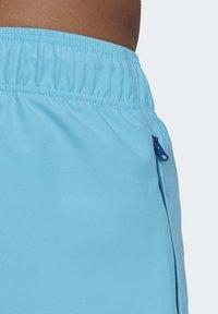 adidas Originals - ADIPLORE WOVEN SHORTS - Plavky - turquoise - 5